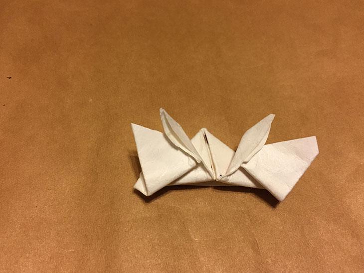 かぶとのくわがたを折った箸袋の写真