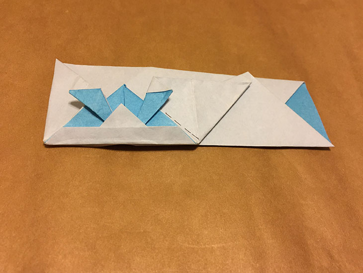 完成した青いかぶと箸袋の写真