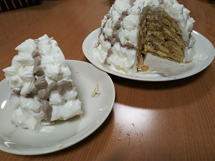 完成したこどもの日の兜ケーキの写真