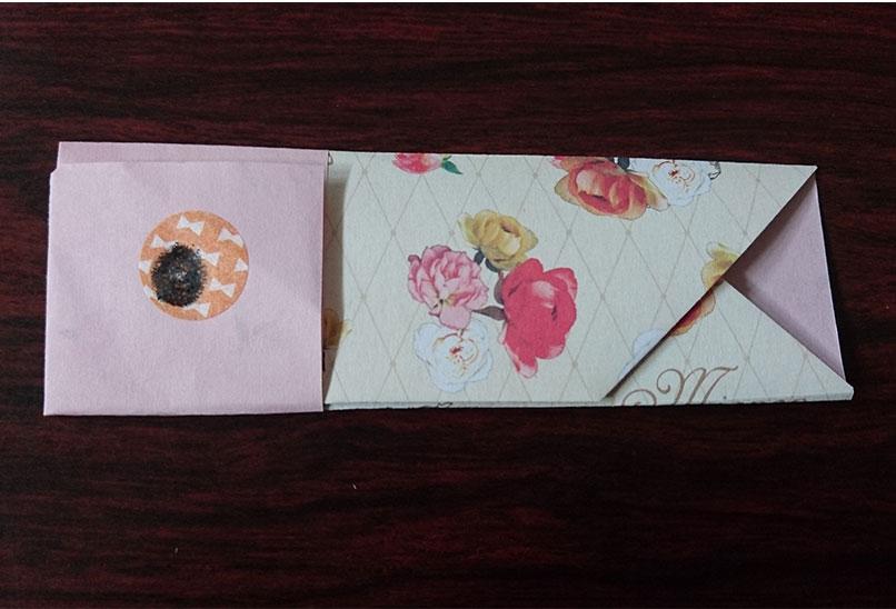 完成した折り紙で作ったこいのぼりの箸袋の写真