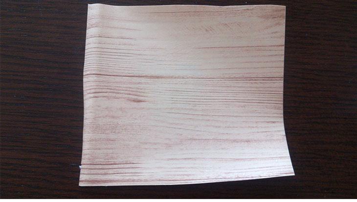 クレヨンの落書きや歯磨き粉を拭き取った後のリメイクシートの写真