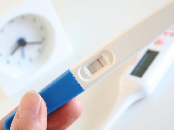 妊娠検査薬に出ている薄い線
