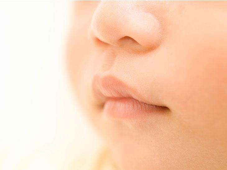 赤ちゃんの鼻と口