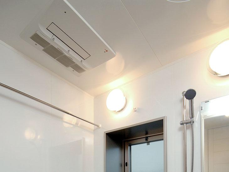 浴室乾燥機付きのタワマン浴室