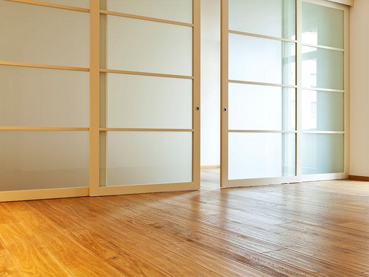 木製のスライドドア