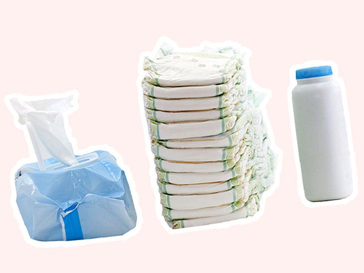 赤ちゃん用防災グッズとして用意してあるオムツの替えとお尻拭きと粉ミルク