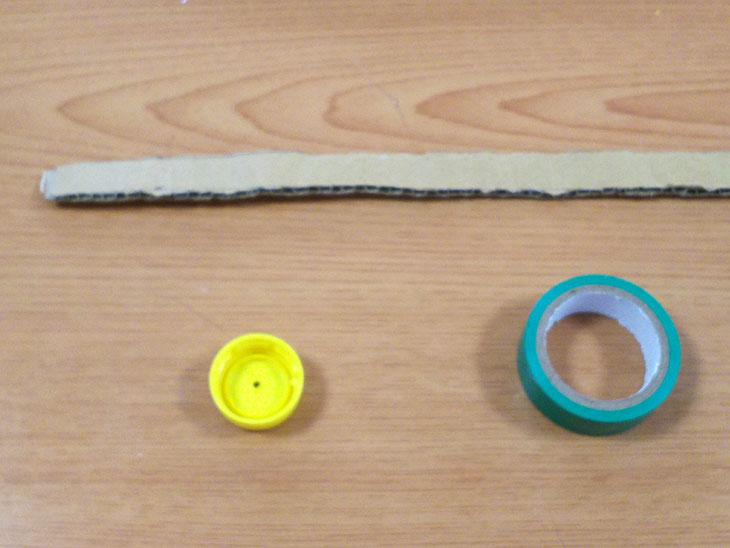 プルバック自動車のタイヤの材料の写真