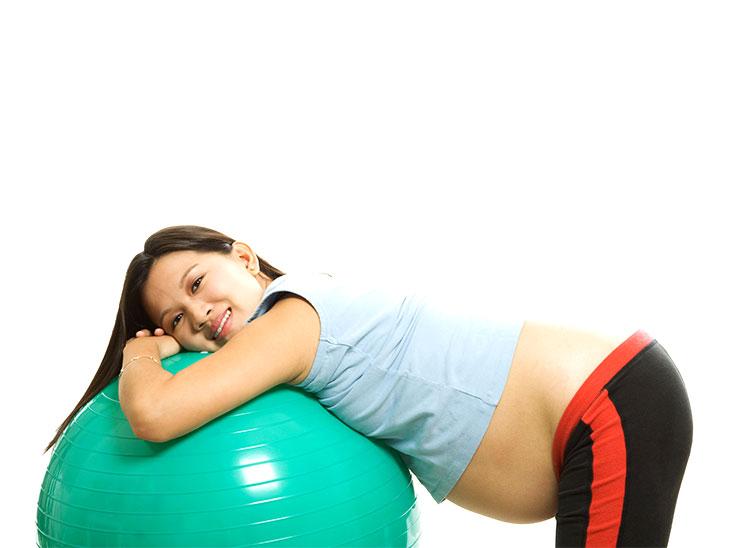 妊婦さんとバレンスボール