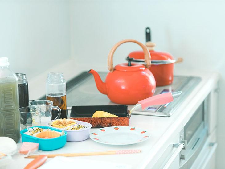 お弁当作り中のキッチン