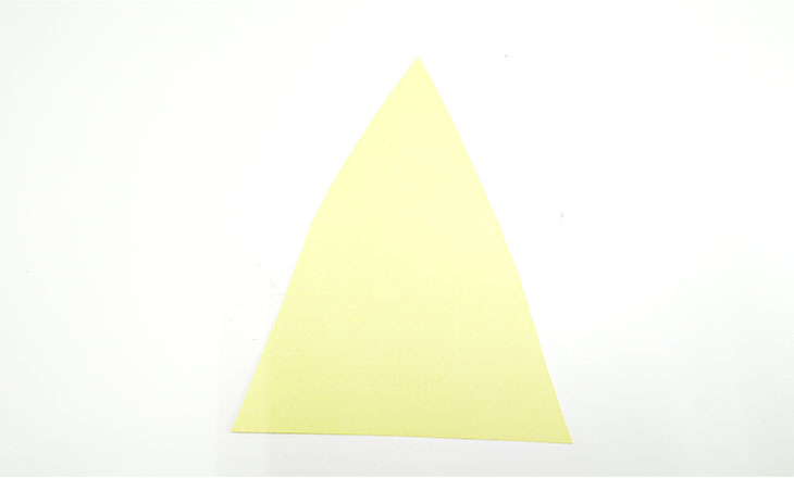 三角に切った色画用紙