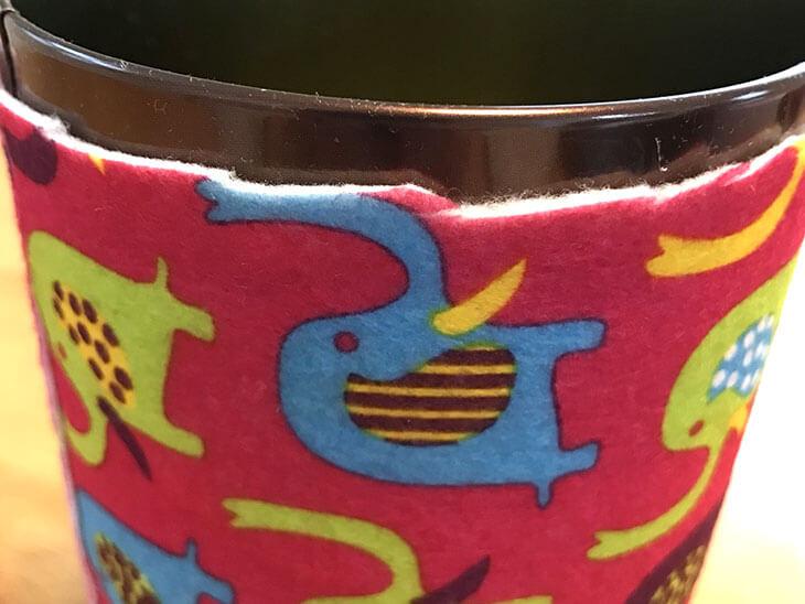 飴・蓋と重なる部分の本体の布を切り取った様子
