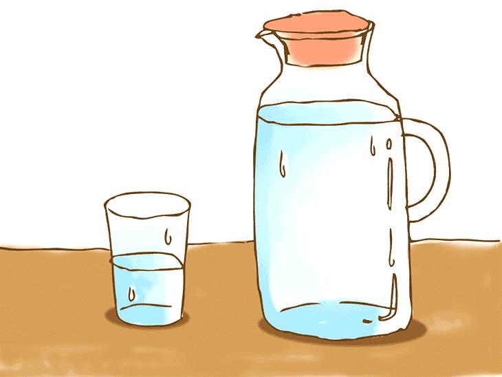 水の入ったコップとポット