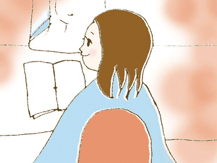 美容院にいる妊婦