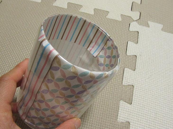 折り紙を入れたペットボトル