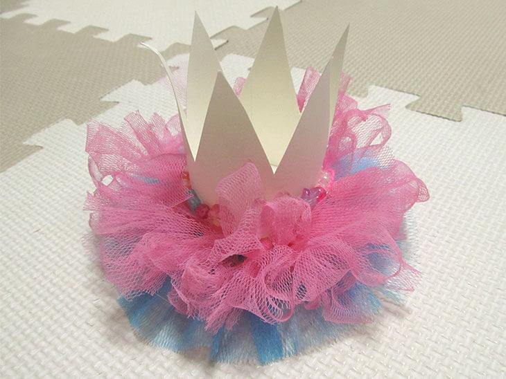 完成した紙コップの王冠
