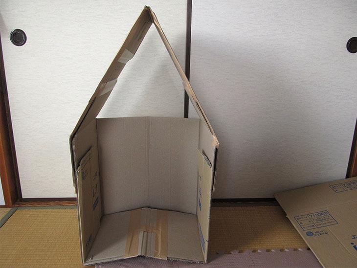 折りたたみ式ダンボールハウス