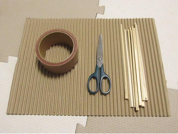 リリアン編み機の材料