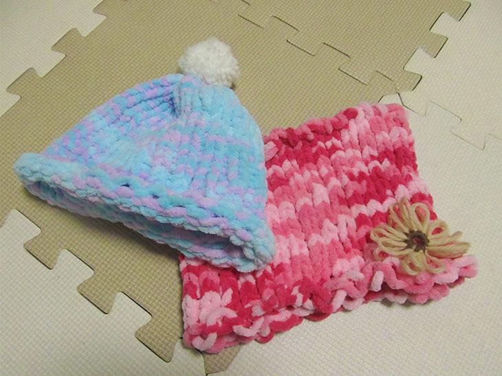 リリアン編み機で作ったニット帽とネックウォーマー