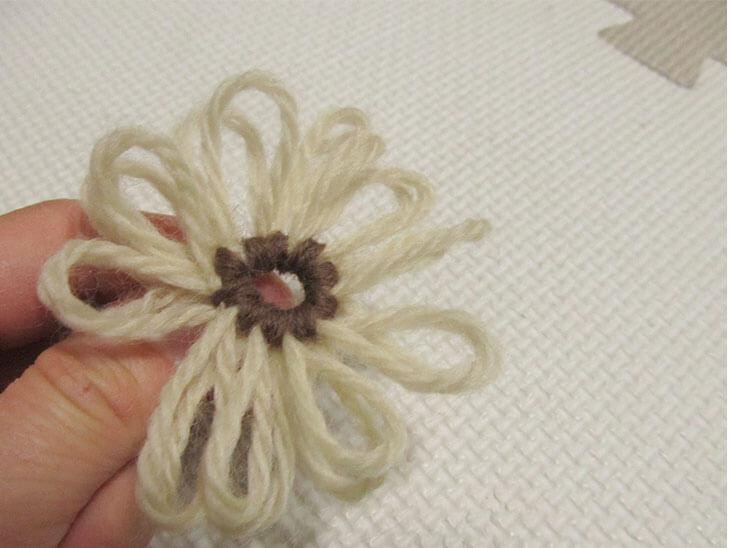 リリアン編み機で作る花