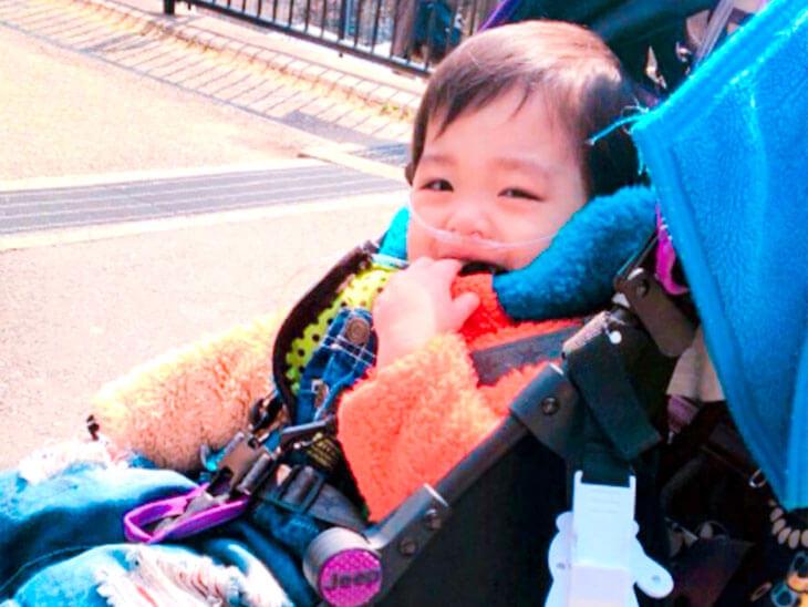バギーに乗った赤ちゃん