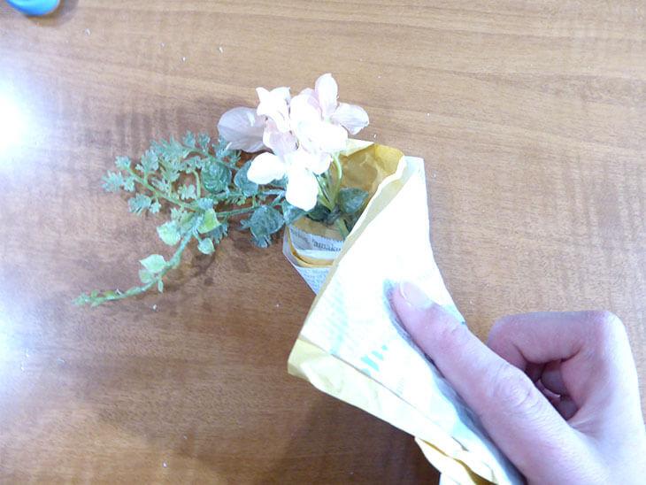 折り紙で巻いたブーケ