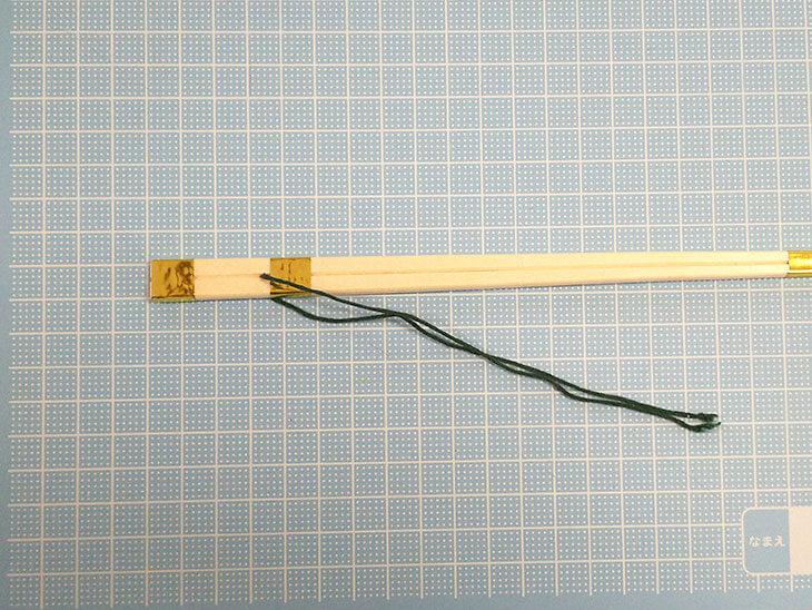 完成した割り箸製の知恵の棒