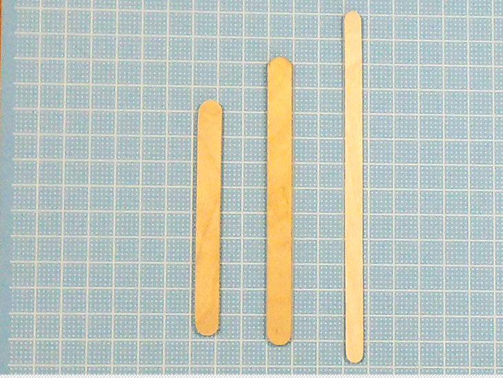 いろいろな大きさのアイスの棒