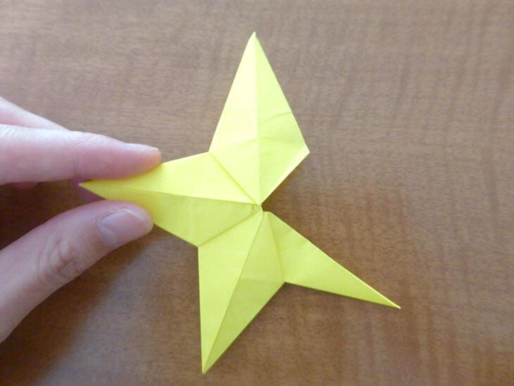 星形の形に近づいてきた星のパーツ