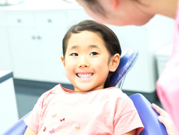 歯医者さんにいる女の子