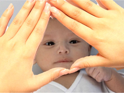 赤ちゃんの顔でおむすび