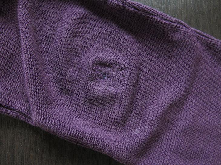補修した子供のズボンの穴