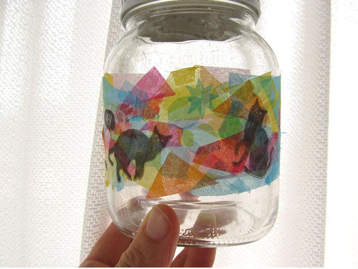 完成したステンドグラス風の空き瓶