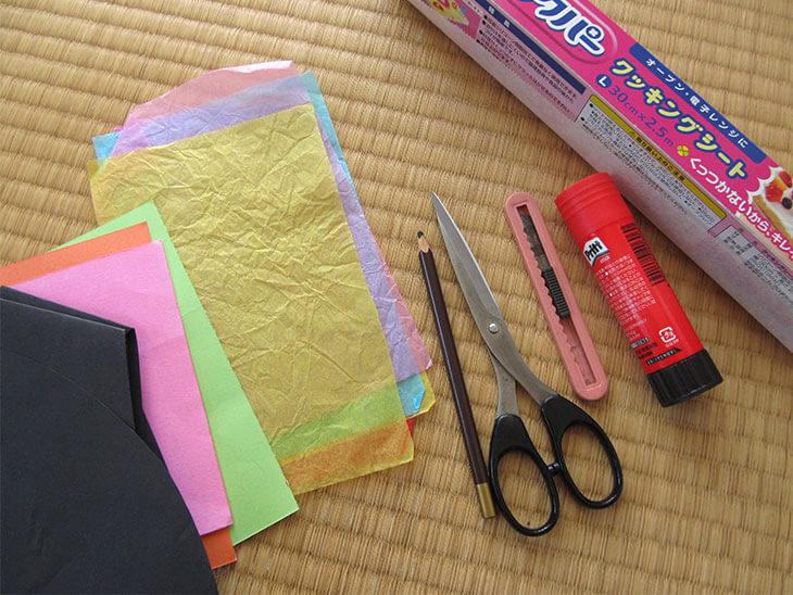 紙のステンドグラス風サンキャッチャーの材料と道具