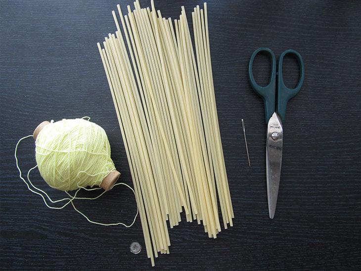 ヒンメリ作りに使う材料と道具