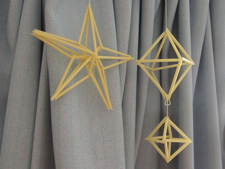 星型とダイヤ型のヒンメリの写真
