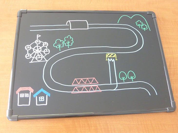 手作りした新幹線プラバンおもちゃ本体用の土台の完成品