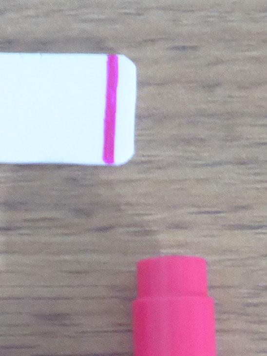 油性マジックで着色したプラバンの色合い