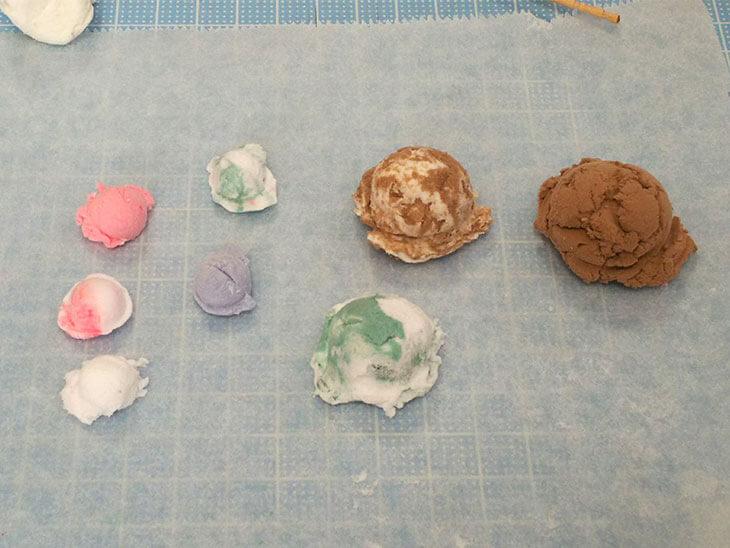 軽量紙粘土で作ったフェイクスイーツのアイスクリーム