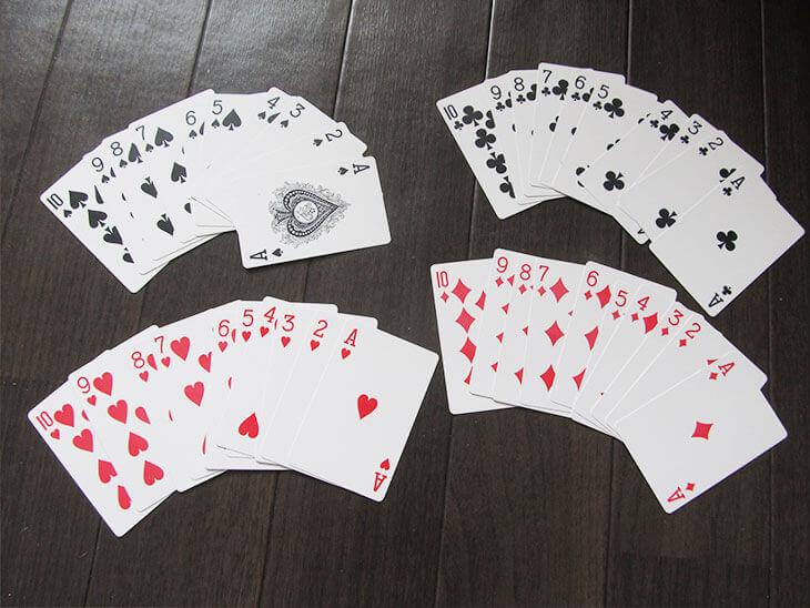 3歳児と遊ぶために絵札を除いた1~10までのトランプ