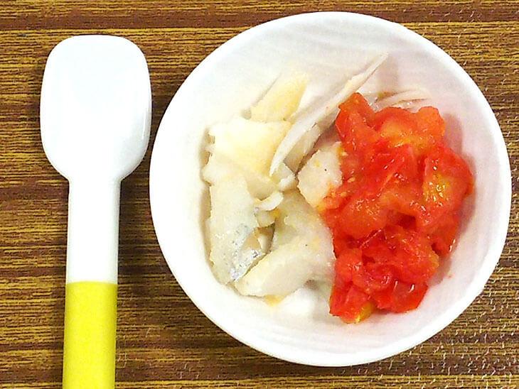 離乳食レシピ「白身魚のトマトあん添え」の完成品