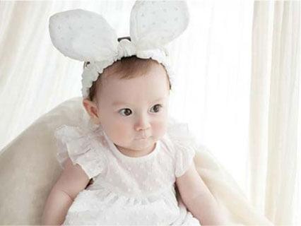 【送料無料】赤ちゃん ヘアバンド りぼん うさぎ
