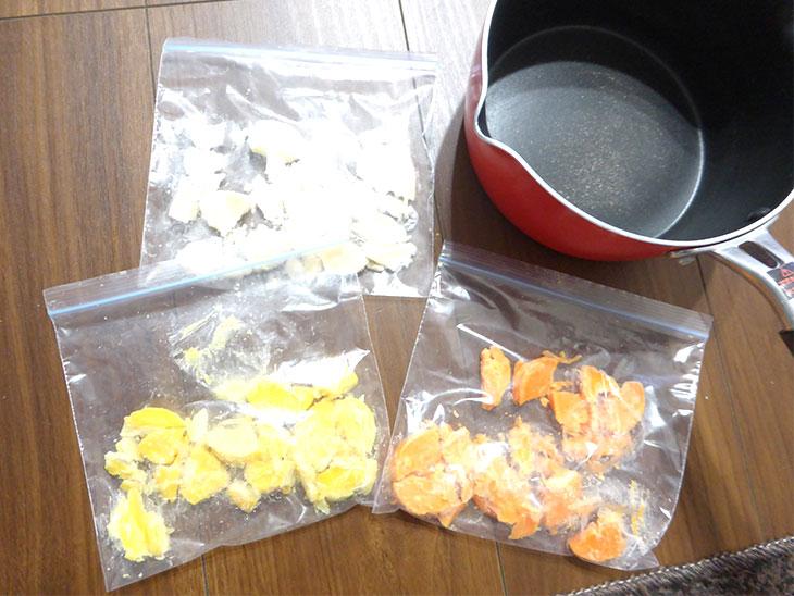 キューブ型ボタニカルキャンドルの作り方の工程1