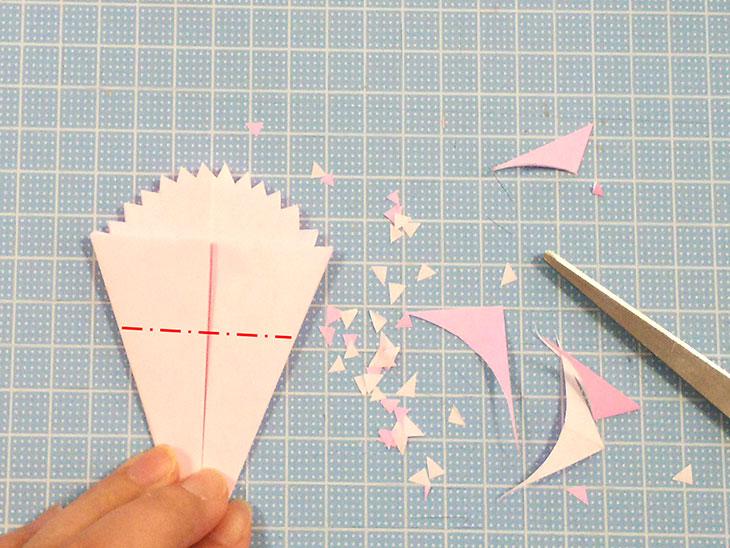 折り紙の開いた平面カーネーションの折り方の工程3-2