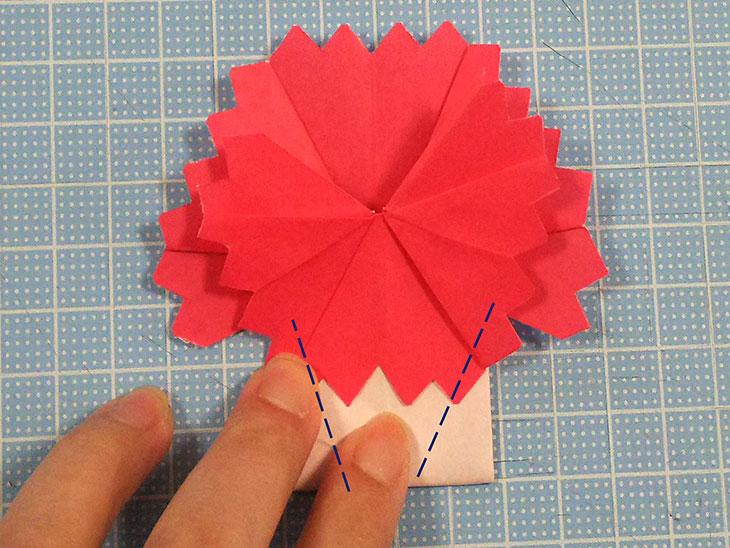 折り紙の八重の茎付き平面カーネーションの折り方の工程6