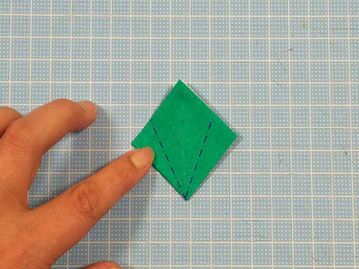 折り紙の本格的な立体カーネーションの工程6-2