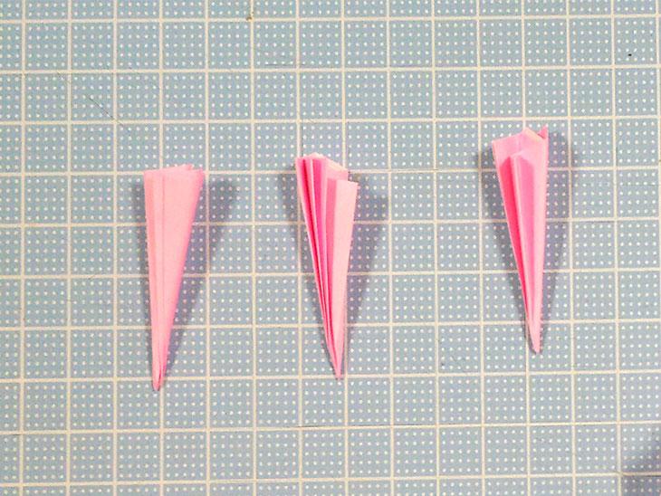 折り紙のフラットカーネーションの工程1-2