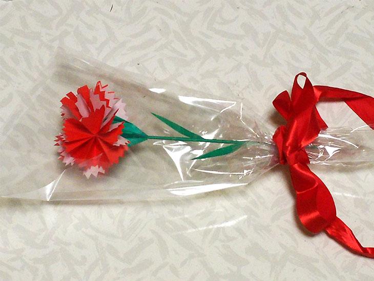 立体カーネーションを使った花束