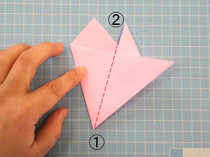 折り紙の桜の花びらの作り方の工程4