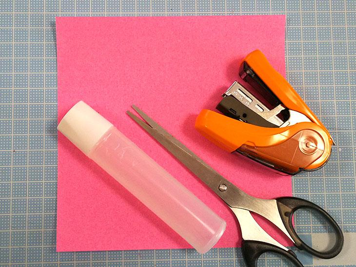 立体的な折り紙の桜の材料
