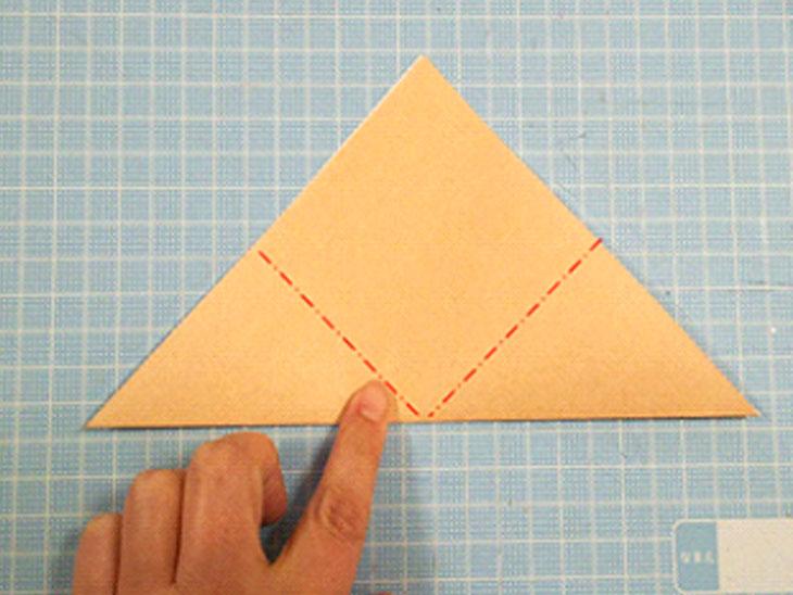 一番簡単な折り紙の猫の顔の折り方の手順2